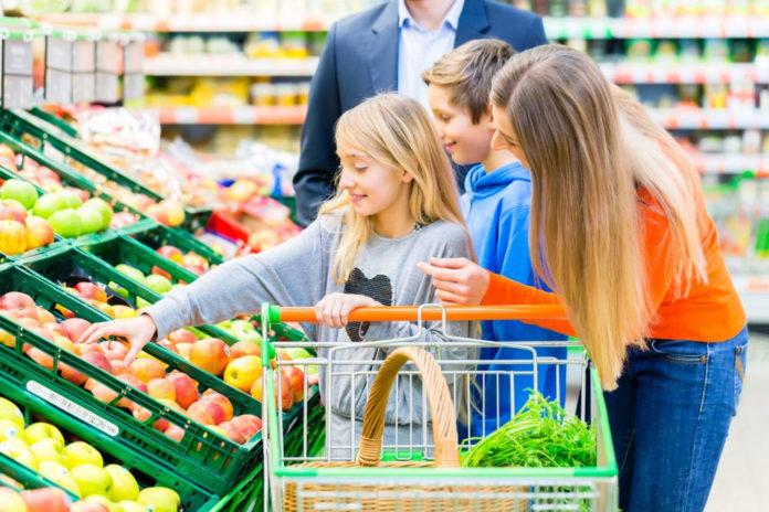 Il supermercato mette in crisi il nucleo familiare.