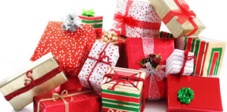 Non c'è Natale senza regalo inutile. Groupon: 45 euro l'anno per doni indesiderati.
