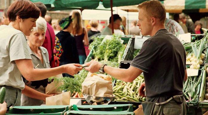 Spesa al mercato: come risparmiare e fare buoni affari.